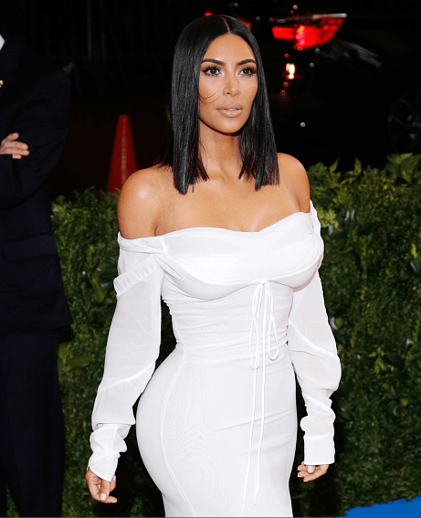 Kim Kardashian saç tarzı