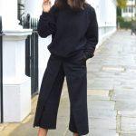 siyah renkli pantolon kazak kombini