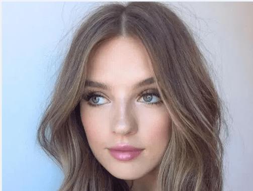 Soluk Ciltler Için En Iyi Saç Renkleri Kombin Kadın