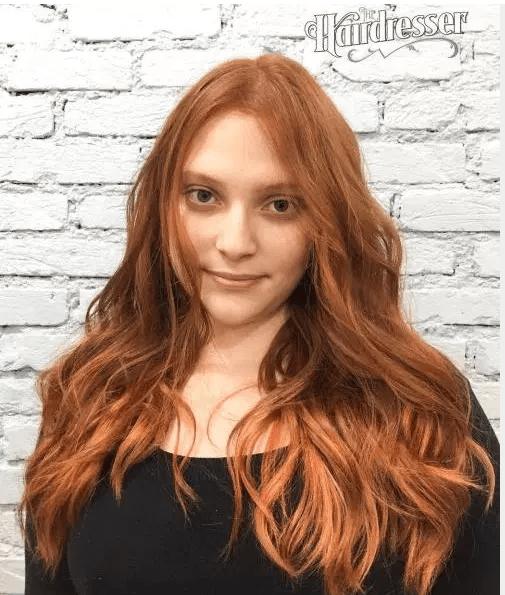 soluk tenli kadına uygun saç rengi