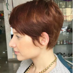 genç gösteren saç