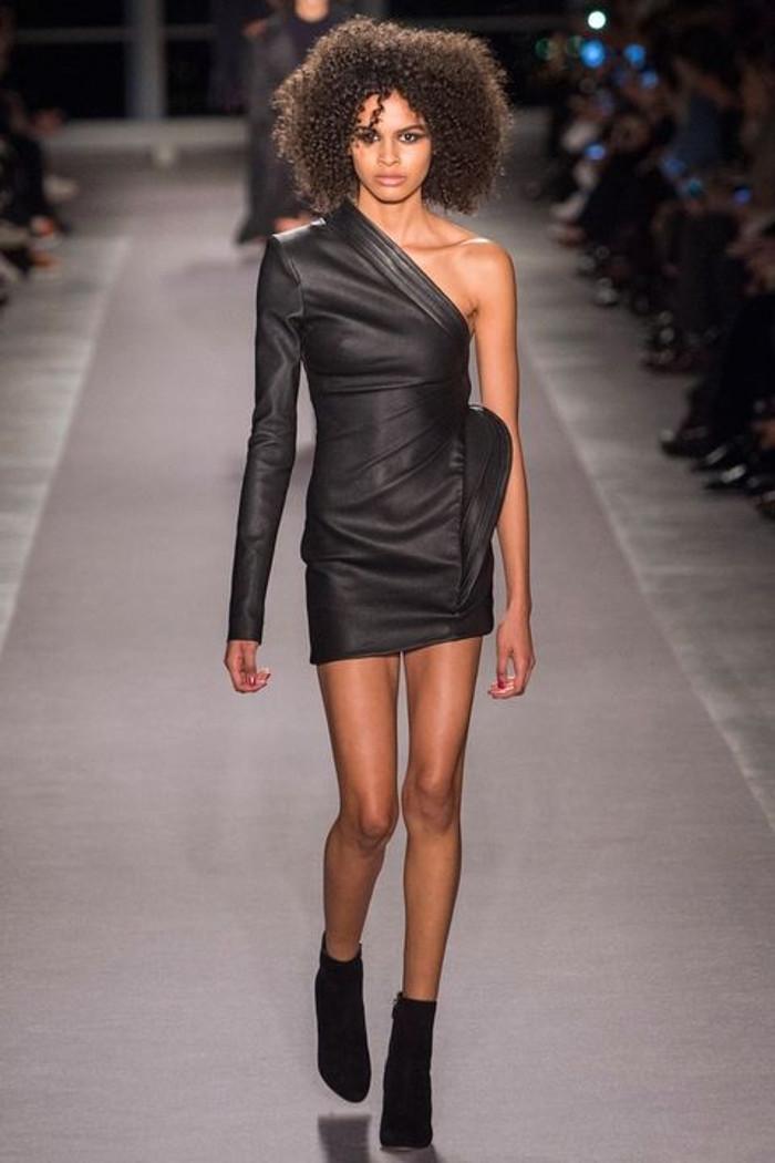 tek omuzlu elbise trendi 2018