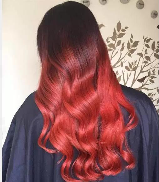 Siyah Kızıl Saç Modelleri