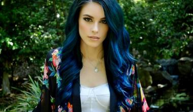 Mavi Siyah Saç Rengi Hakkında Bilmediğiniz Her Şeyi Açıklıyoruz!